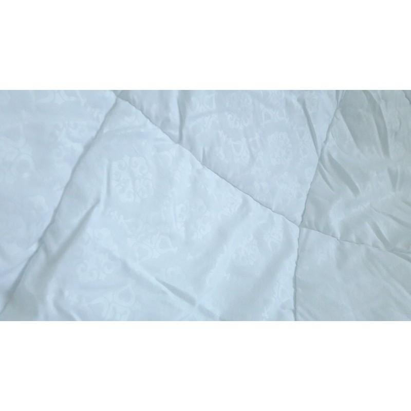 Одеяло двухспальное (плотность 300г/м2),
